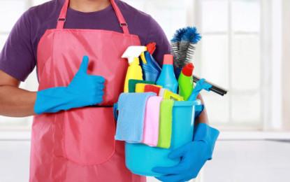 Když vám péče o domácnost přerůstá přes hlavu, pomůže hodinový manžel či uklízečka