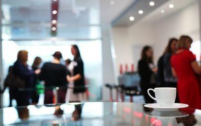 Důvody, proč se nápojové automaty hodí na pracoviště, do škol i hotelů
