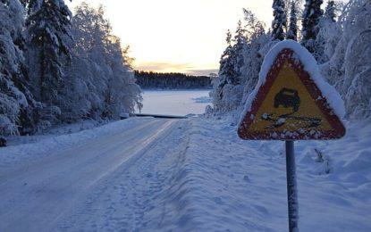 Když dopravní značky nejsou vidět pod sněhem: Kdo je vinen za případný přestupek?