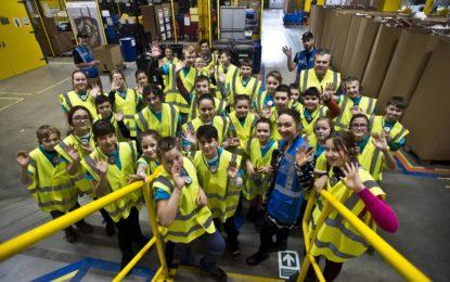 Do českého distribučního centra Amazonu se můžete podívat každý pracovní den
